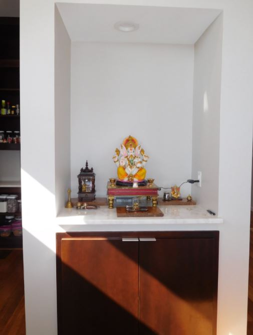 Small Pooja Cabinet Designs Small Pooja Cabinet Designs and Ideas ...